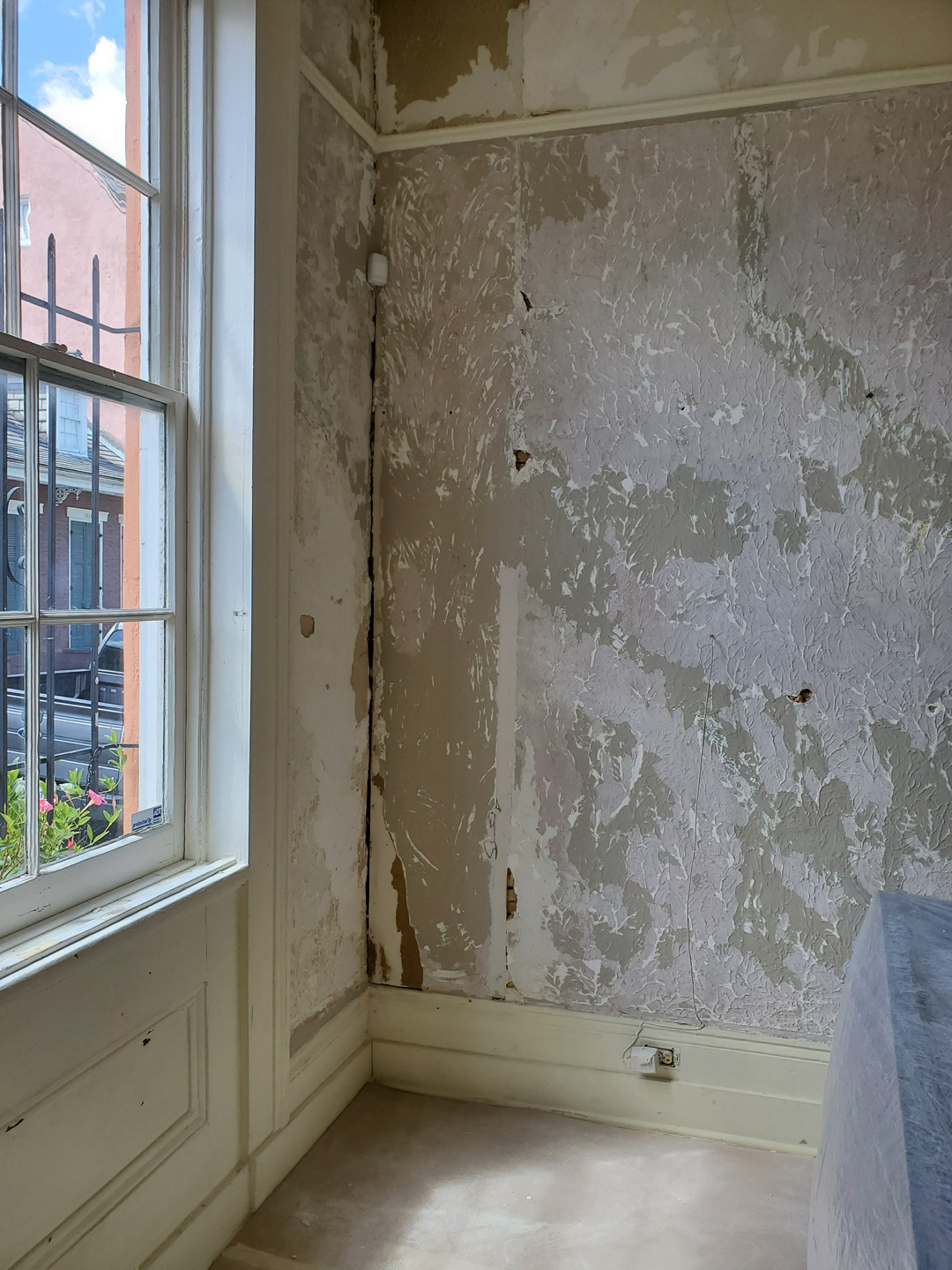 Sylvia T Designs – French Quarter Creole Cottage – Dramatic Plaster Finishes and Gold Leaf Ceilings – The walls certainly needed some serious TLC before we could work our magic and deliver the striking plaster finishes!