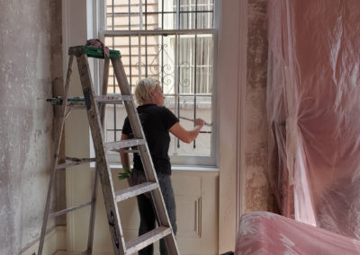 Sylvia T Designs – French Quarter Creole Cottage – Dramatic Plaster Finishes and Gold Leaf Ceilings – Jess leans into the job always brushing with care!