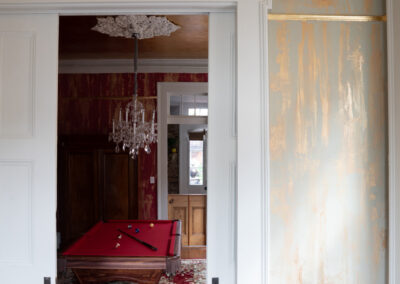 Sylvia T Designs_gold leafed ceiling and plaster walls